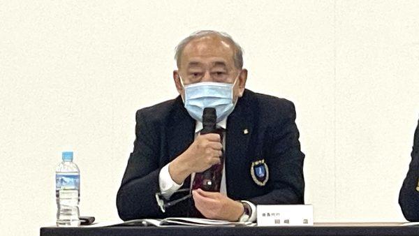 岡﨑会長代行より開会の挨拶が行われた