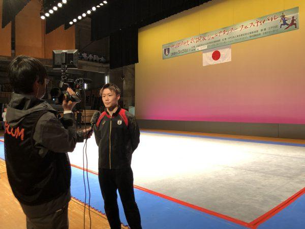 J:COMのインタビューを受ける大川智矢選手