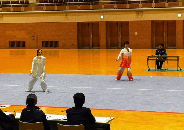 全日本大会選考会を兼ねて、熱演する選手