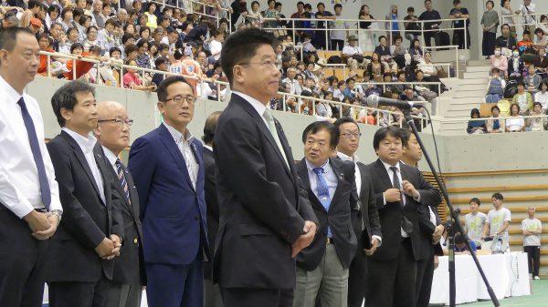 加藤勝信大会会長による挨拶