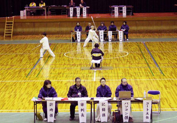 総勢75人の選手が県代表の座をかけて競う