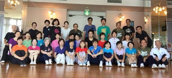 特別講師の中村先生を囲んでの、長拳・太極拳合宿の様子