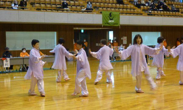 集団で優秀賞を獲得した静岡市チーム