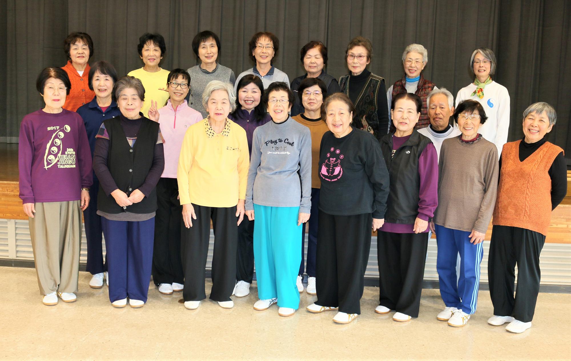 八幡泉講師と笠岡中公民館