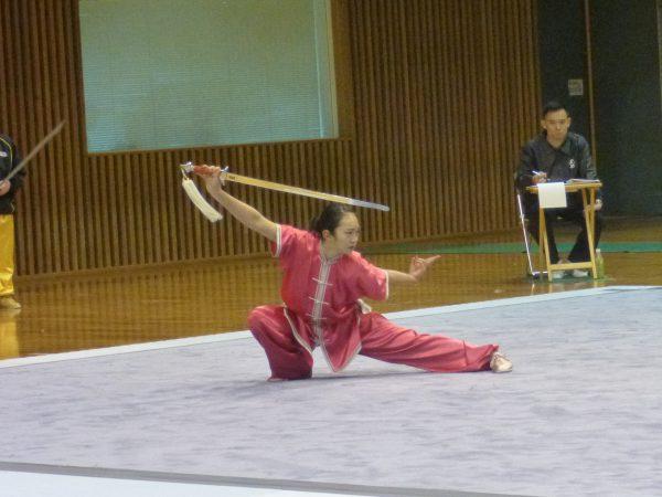 女子長拳短器械・国際第三套路 1位 安藤里紗選手(富山)