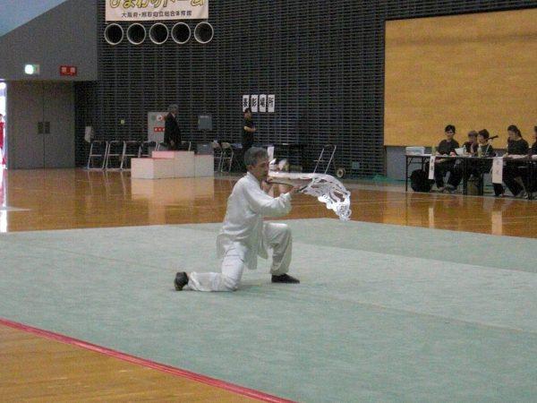山森重忠選手による龍頭大铡刀の演武