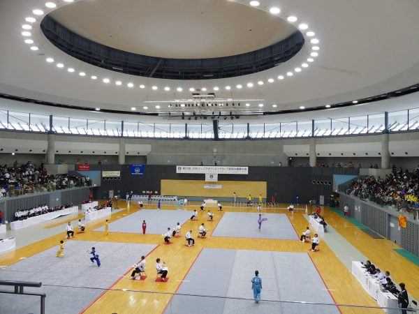会場となる大阪府熊取町・総合体育館 ひまわりドーム
